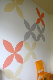 Decorazione geometrica in colori pastello.