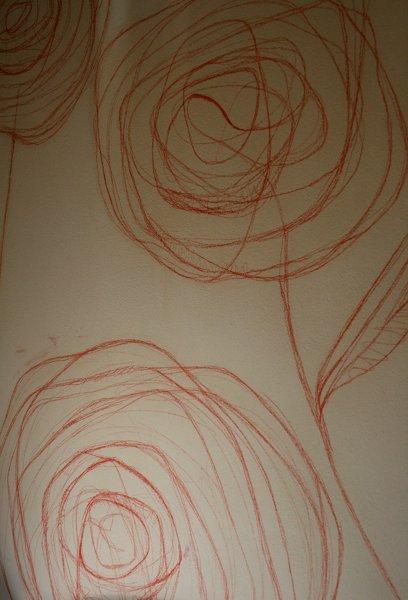 Decorazione floreale a grafite rossa